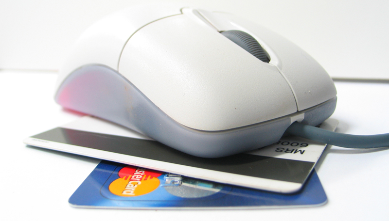 e-commerce-mouse-credit-cards